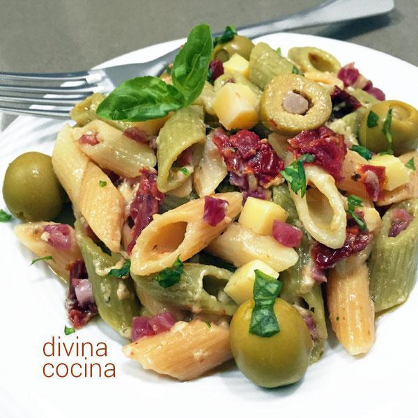 ensalada de pasta estilo mediterráneo