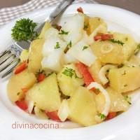 Ensalada de patatas con bacalao
