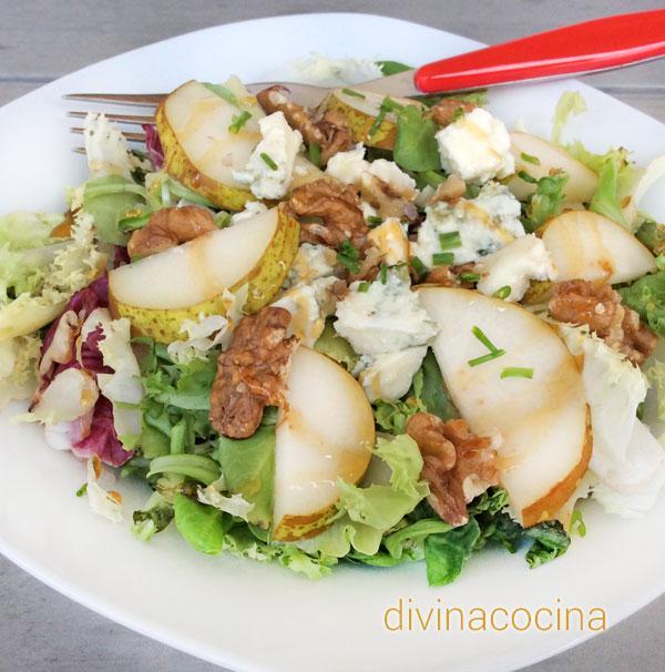 ensalada de pera con gorgonzola