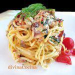 Espaguetis con tomates secos y anchoas