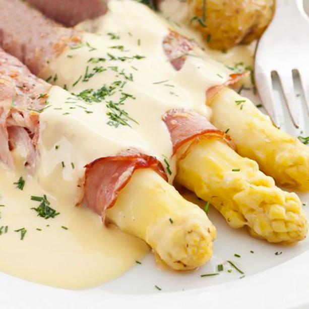Receta de esp rragos con jam n y salsa de queso divina - Comidas con esparragos ...