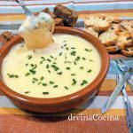 Fondue de queso rápida en microondas