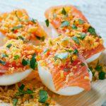 Huevos rellenos Mimosa con salmón