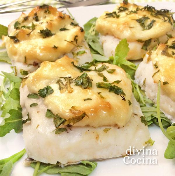 Receta de merluza al horno con mayonesa divina cocina - Merluza rellena de marisco al horno ...