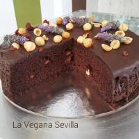 Pastel de chocolate y avellanas sin gluten ni lactosa