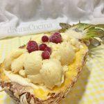 Piña helada rellena con helado de piña