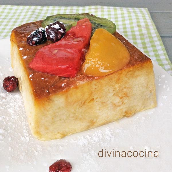 pudding de frutas en almíbar