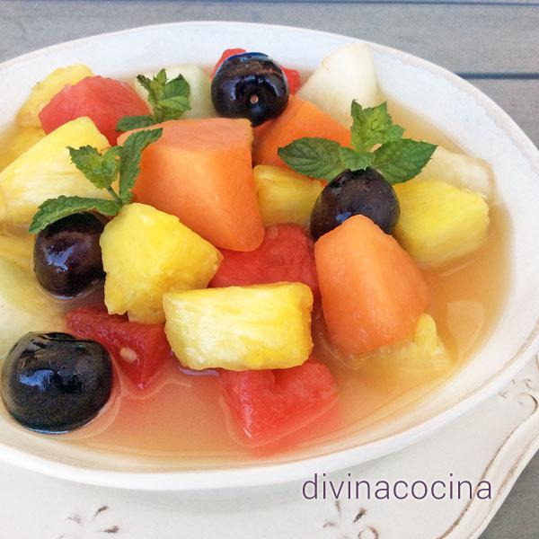 Sopa de frutas de temporada