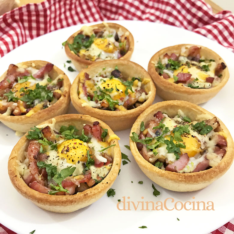 tartaletas de huevos de codorniz