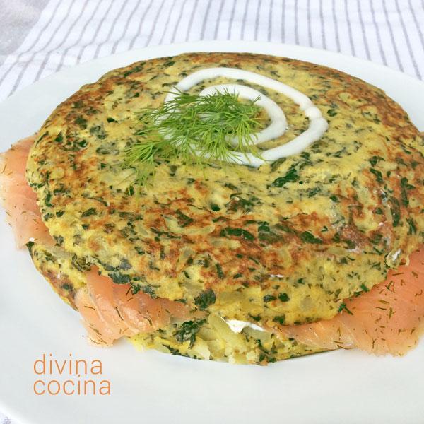 tortilla de espinacas rellena de salmon